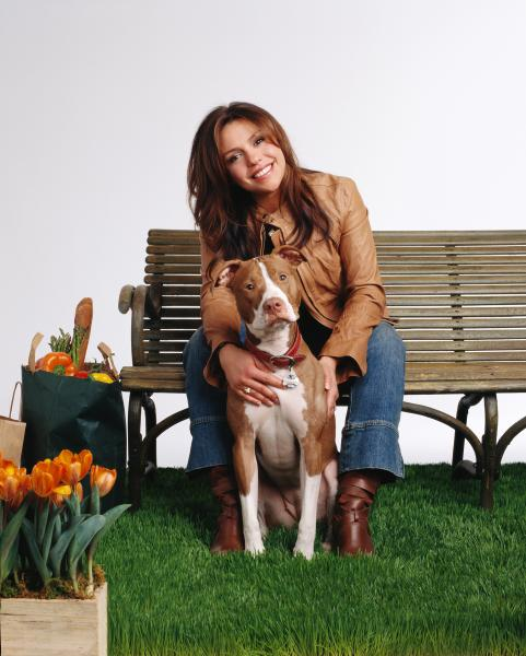 10 Celebrities Who Love and Advocate for Their Pit Bulls ...